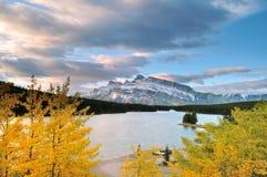 jeziorny dźwigarka wschód słońca dwa Fotografia Royalty Free