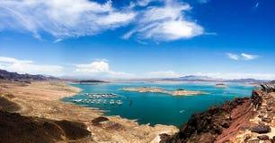 Jeziorny dwójniak panoramiczny - głazu miasto Zdjęcie Royalty Free