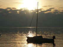 Jeziorny Gardy Włochy relaksujący moment zdjęcie stock