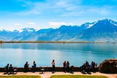 Jeziorny Genewa przy Chillon kasztelem w Montreux, Szwajcaria Zdjęcie Stock