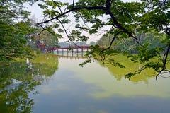 Jeziorny Hoan Kiem w wiośnie, Hanoi Wietnam Fotografia Stock