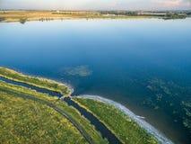 Jeziorny i irygacyjny przykop w Kolorado Zdjęcia Royalty Free