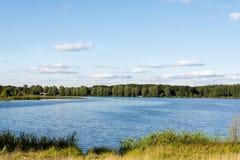 Jeziorny i lasowy landskape fotografia royalty free