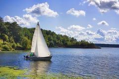 jeziorny jacht Obrazy Stock