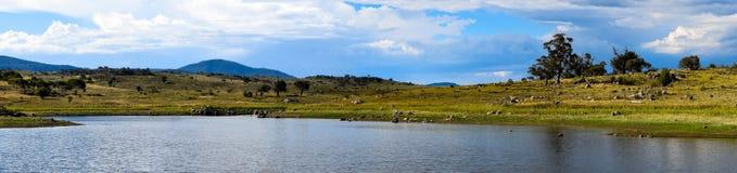 Jeziorny Jindabyne foreshore w Australia Obrazy Royalty Free