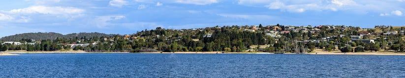 Jeziorny Jindabyne foreshore w Australia Zdjęcie Royalty Free
