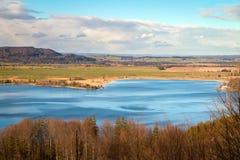 Jeziorny Kochel w Bavaria na pogodnym zima dniu, niemiec (Kochelsee) Zdjęcie Royalty Free