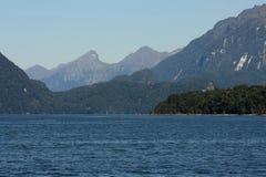 Jeziorny Manapouri Zdjęcie Royalty Free