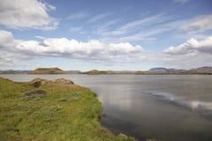 Jeziorny Myvatn teren w Północnym Iceland obraz stock