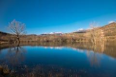 Jeziorny odbicie podróży natury niebieskie niebo Croatia Obrazy Stock