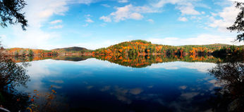 jeziorny odbicie Vermont Zdjęcia Stock