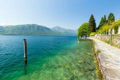 Jeziorny Orta, Podgórski, Włochy, 22 2017 Kwiecień Widok Jeziorny Orta, bea Zdjęcie Royalty Free