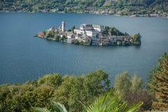 Jeziorny Orta, San Giulio wyspa Fotografia Royalty Free