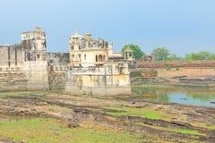 Jeziorny pałac w masywnym Chittorgarh forcie Rajasthan wewnątrz i ziemiach Obraz Royalty Free