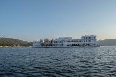 Jeziorny pałac hotel Zdjęcia Stock