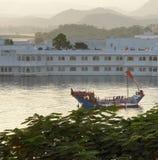 Jeziorny pałac Fotografia Royalty Free