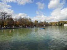 Jeziorny Retiro park w Madryt Hiszpania Obraz Royalty Free