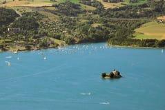 Jeziorny Serre Poncon Obrazy Royalty Free