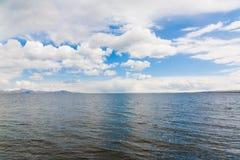 Jeziorny Sevan wiosny dzień Obraz Stock