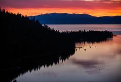 Jeziorny Tahoe wschód słońca obrazy stock