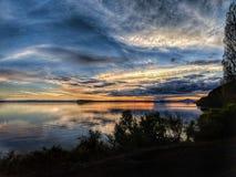 Jeziorny Taupo zmierzch zdjęcia royalty free
