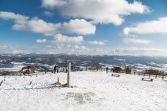 Jeziorny Toya, Japonia, Styczeń 27, 2018: Góra Usu lub Usuzan jest popul Zdjęcie Royalty Free