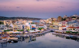 Jeziorny Voulismeni w Agios Nikolaos, Crete, Grecja Zdjęcia Royalty Free