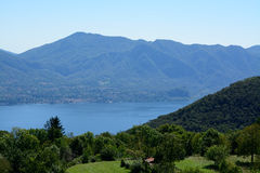 Jeziorny widok Lago Maggiore Obraz Royalty Free