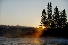 Jeziorny wschód słońca w Parc De Los angeles Mauricie Obraz Stock