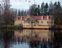 Jezioro dom. Zdjęcie Stock