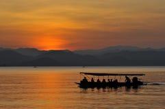 Jezioro i łódź Obraz Stock