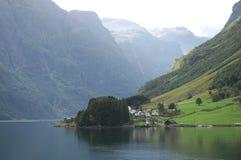 Jezioro i góra Zdjęcia Stock
