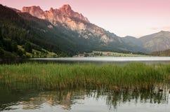 Jezioro i góra z afterglow Zdjęcie Royalty Free