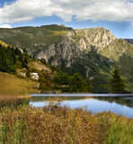 Jezioro i góry Obrazy Royalty Free