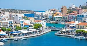 Jezioro i morze przy ażio Nikolas, Crete Zdjęcia Royalty Free
