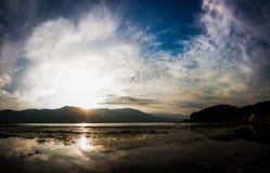jezioro i niebo Obraz Royalty Free
