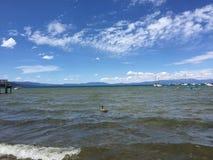 jezioro i niebo Zdjęcie Stock