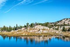 Jezioro i odbicie Fotografia Royalty Free