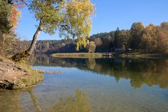 Jezioro, jesień obrazy stock