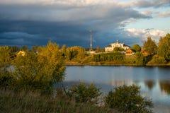 Jezioro krajobraz w spadku zdjęcia stock