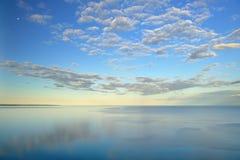 Jezioro Michigan przy dosypianie niedźwiedzia diunami Fotografia Stock