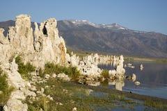 jezioro mono tufa formacji Fotografia Royalty Free