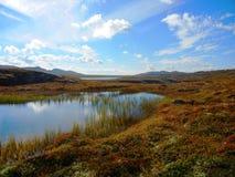 Jezioro na halnym plateau zdjęcie stock