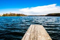 Jezioro na letnim dniu Zdjęcia Royalty Free
