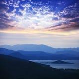 Jezioro na zmierzchu Zdjęcia Royalty Free