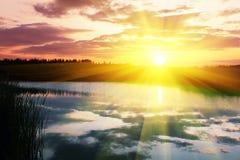Jezioro na zmierzchu Fotografia Royalty Free