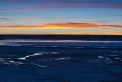 jezioro nad playa zmierzchem Zdjęcia Royalty Free