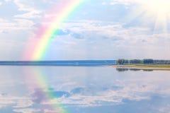 jezioro nad tęczą Zdjęcia Royalty Free