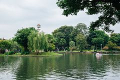 Jezioro przy Dusit zoo w Bangkok, Tajlandia zdjęcie royalty free
