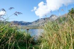 Jezioro przy Eidkjosen blisko arktycznego okręgu Zdjęcia Royalty Free
